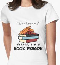 Bücherwurm? Bitte, ich bin ein Buchdrache. Tailliertes T-Shirt für Frauen