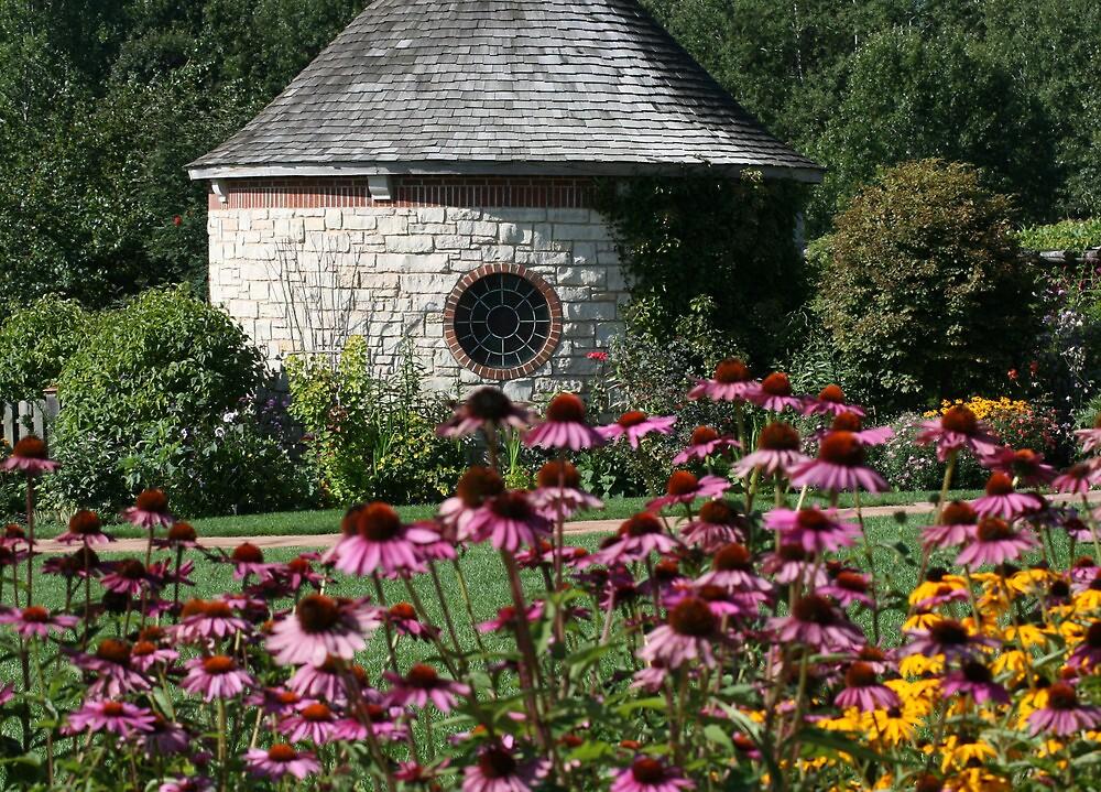 Garden House by eaglewatcher4