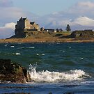 Scotland : Duart Castle in Winter by Angie Latham