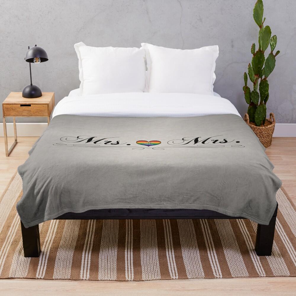 Mrs. & Mrs. Lesbian Design Throw Blanket