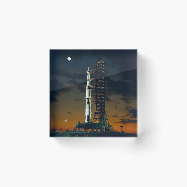 MAN ON THE MOON. APOLLO 4. Saturn V rocket. Used for the American manned lunar landing missions. Acrylic Block