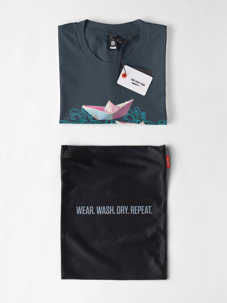 Alternate view of Japanese waves and paper boats Premium T-Shirt