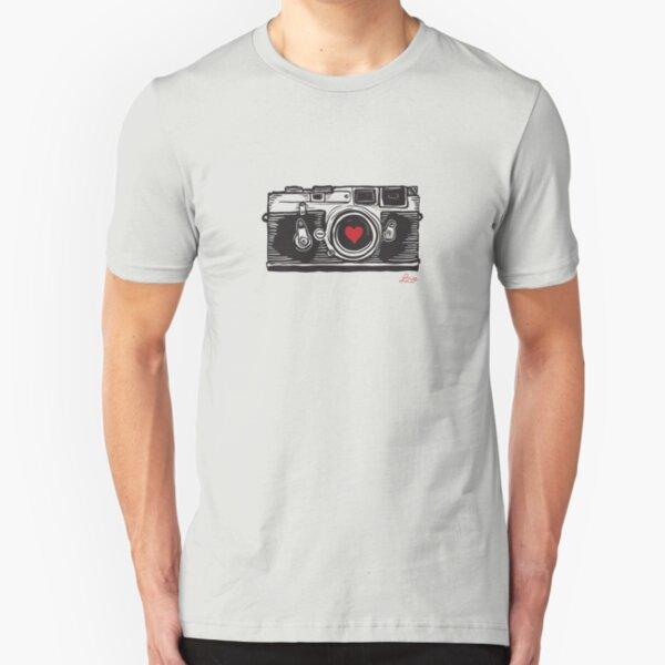 Hol dir dieses süße T-Shirt mit der legendären Leica M3! Slim Fit T-Shirt