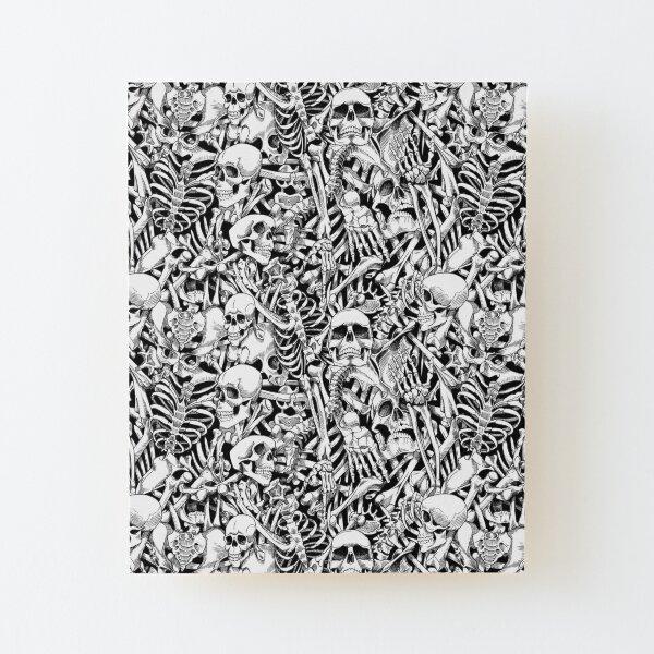 Skulls and Bones (black/white) Aufgezogener Druck auf Holz