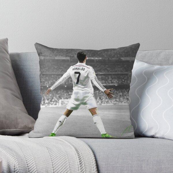 Cristiano Ronaldo 7 Throw Pillow