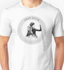 Swan Queen - defense squad -  T-Shirt