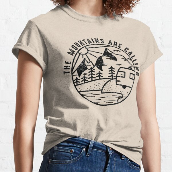 THE MOUNTAINS ARE CALLING  Camiseta clásica