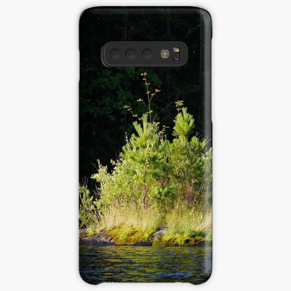 Small lush island in sunlight at lake shore Case & Skin for Samsung Galaxy