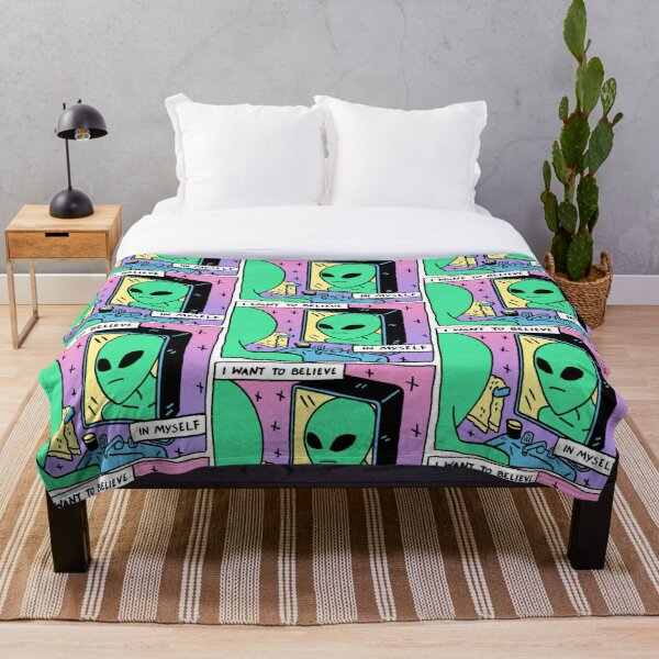 Unconfident Alien  Throw Blanket