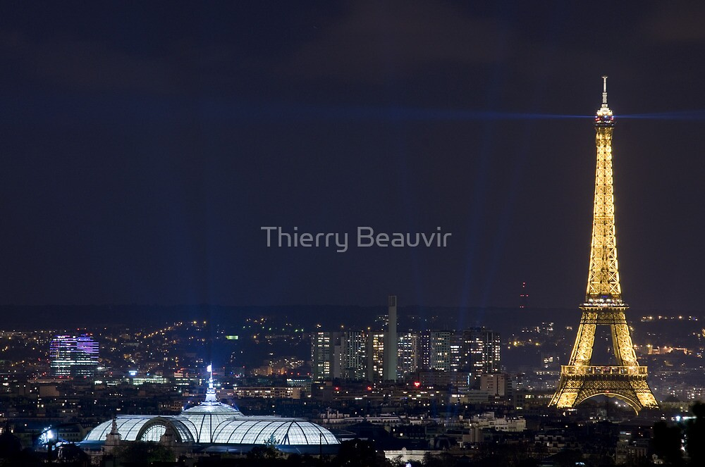 France - Paris 75018 by Thierry Beauvir