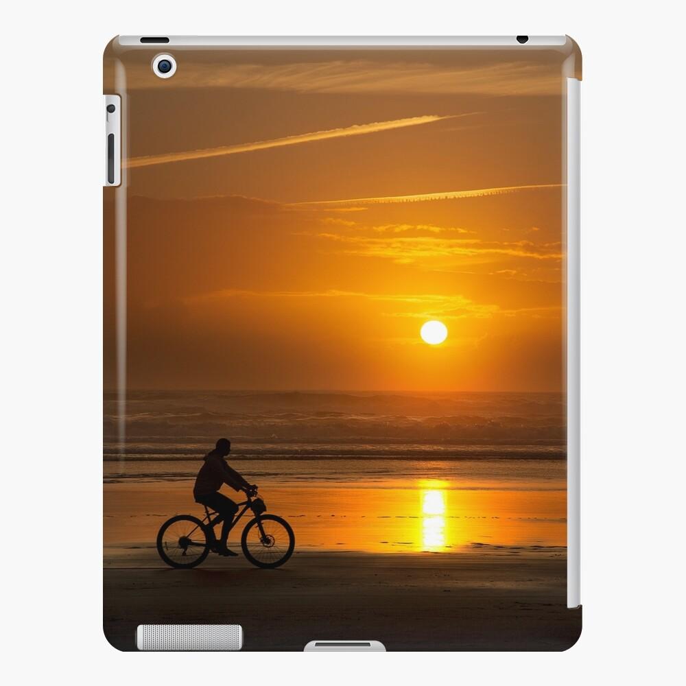 Silhouette of a cyclist along Cannon Beach Oregon iPad Case & Skin
