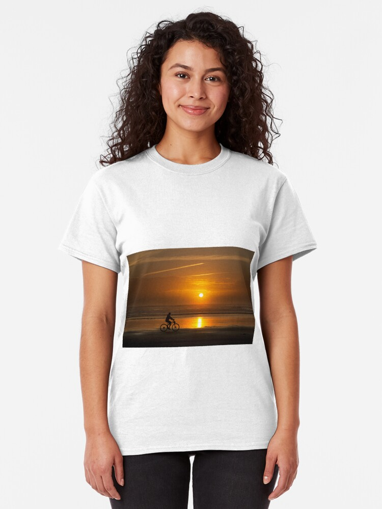 Alternate view of Silhouette of a cyclist along Cannon Beach Oregon Classic T-Shirt