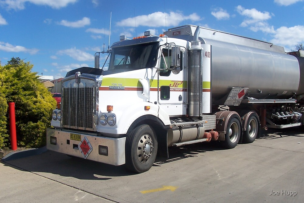 2009 Kenworth T408SAR - BC63RN by Joe Hupp