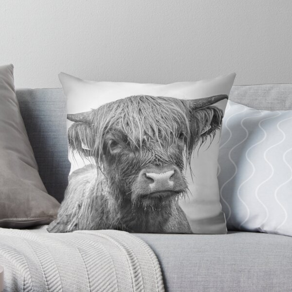 Highland cow - Mull Throw Pillow