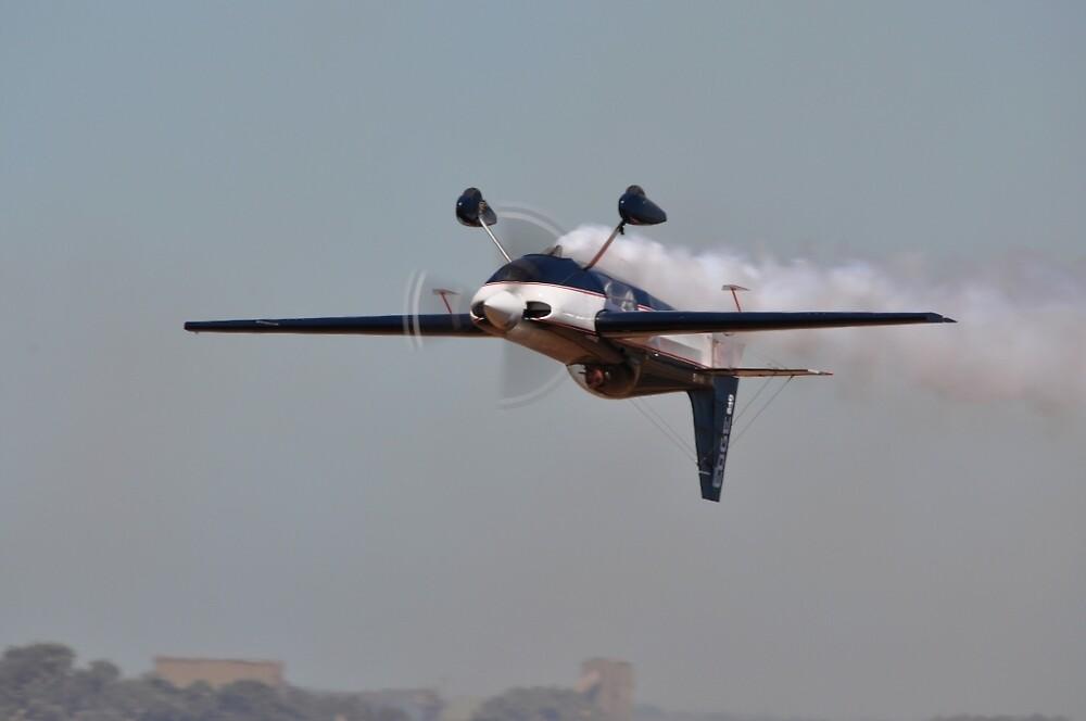 Inverted Flight @ Avalon Airshow, Australia 2013 by muz2142