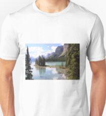 Spirit Island, Maligne Lake, Canada. T-Shirt