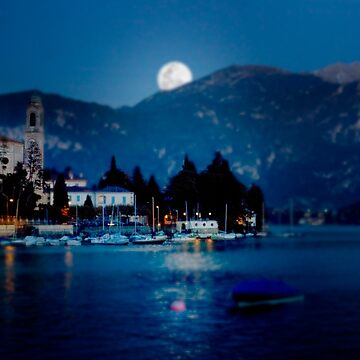 moon over Bellagio by mariofarinato