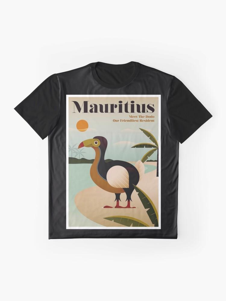 Vista alternativa de Camiseta gráfica MAURICIO; Viaje de la vendimia y impresión del turismo