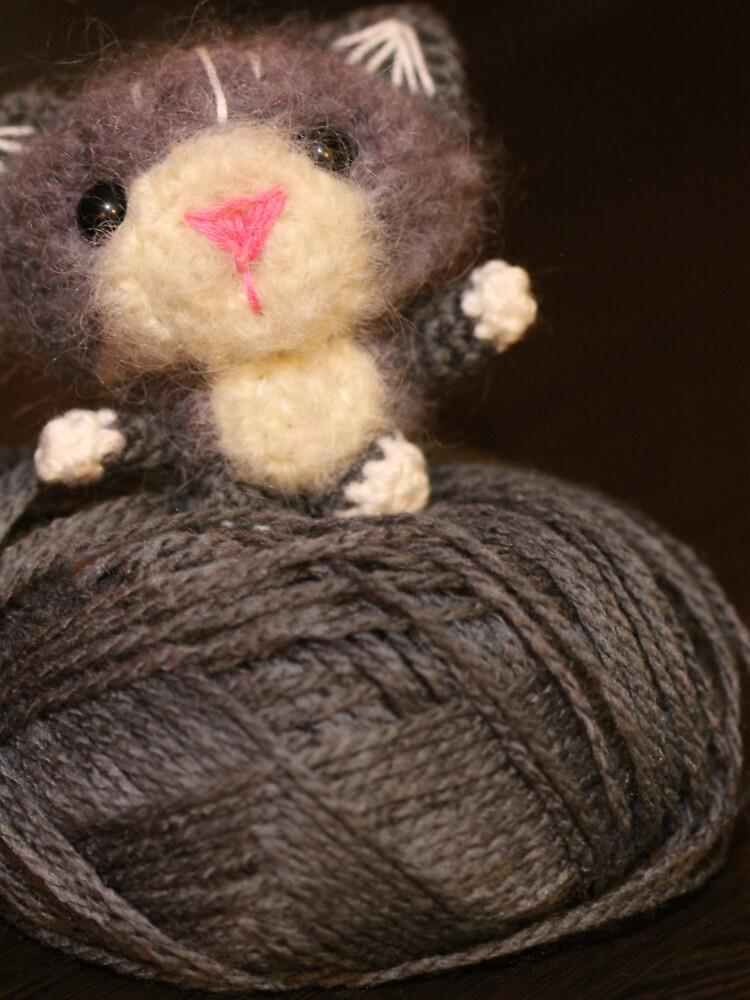 Fuzzy Cat by thepurplelilac