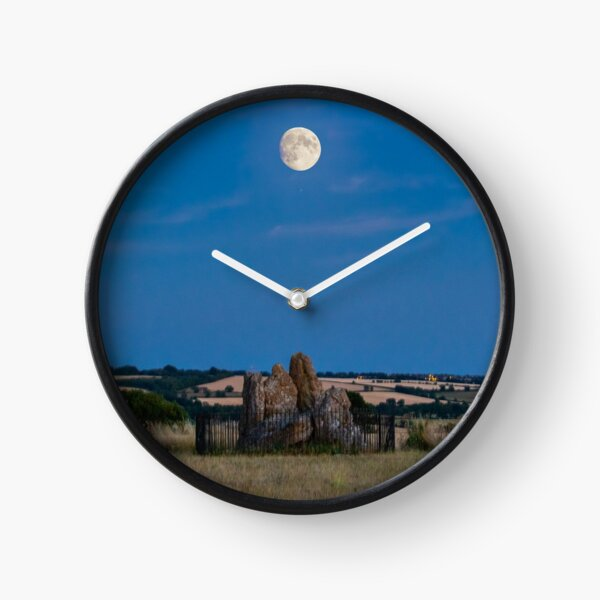 Moonlight over the whispering knights Clock