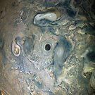 Nahaufnahmedetail von Jupiters stürmischer Nordhalbkugeloberfläche von Glimmersmith