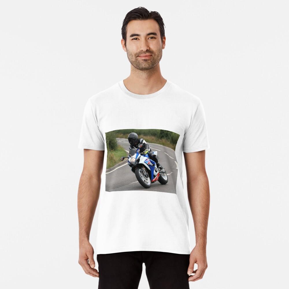 Sports bike traveling at speed on bend Premium T-Shirt