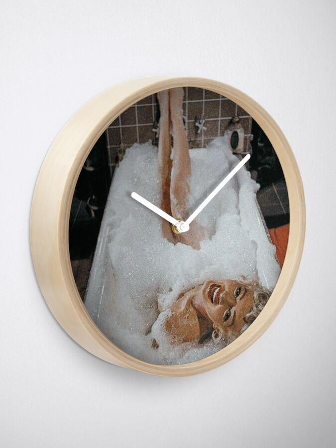Alternate view of Marilyn Monroe in the Bathtub Clock