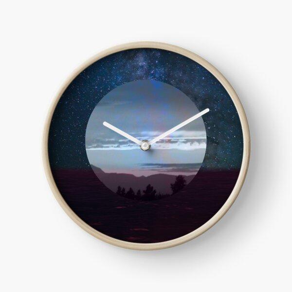 Vaporwave Ocean Sunset Clock