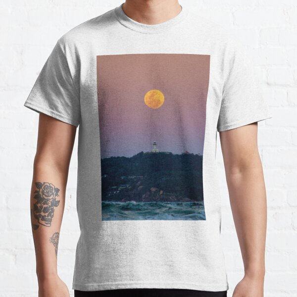Full moon rising in Byron Bay Classic T-Shirt
