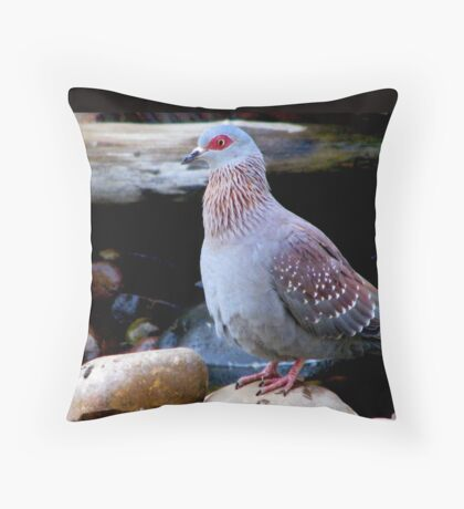 """""""I prefer muddy water, thanks!"""" Throw Pillow"""