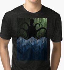 Cthulhu's sea of madness - Green Tri-blend T-Shirt