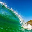 Shore break by Kana Photography