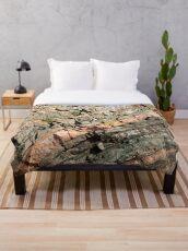 A slice of geology Throw Blanket