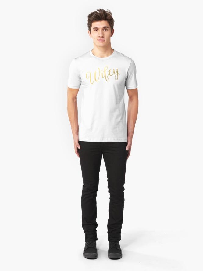 Alternative Ansicht von Wifey Faux Goldfolie Slim Fit T-Shirt