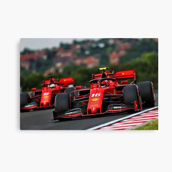 Charles Leclerc racing Sebastian Vettel au Grand Prix de Hongrie. Impression sur toile