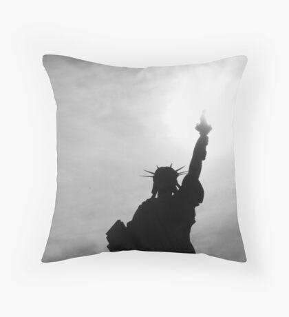 Liberty talking to the sky Throw Pillow
