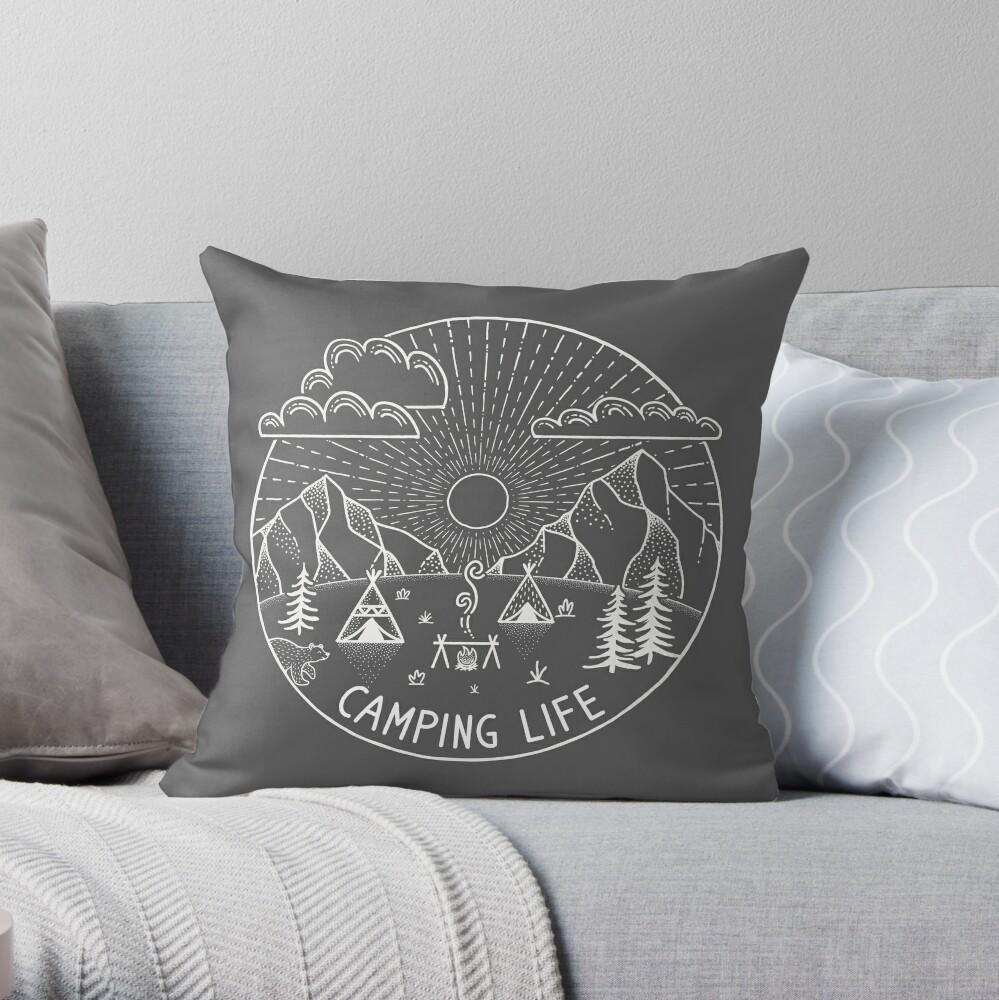 Camping Life White | Frases de campamento y aventura Cojín