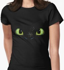 Toothless fiery eyes Womens Fitted T-Shirt