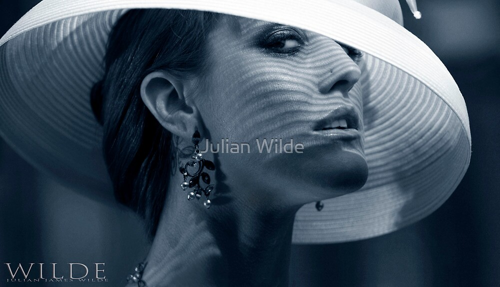 Svetlana's White Hat by Julian Wilde