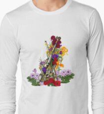 Alte rostige Steampunk Geige umgeben von Blumen - Kontrastreich Langarmshirt