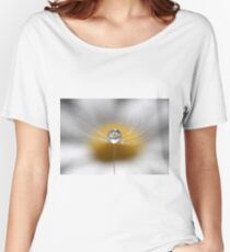 A drop full of daisies Women's Relaxed Fit T-Shirt