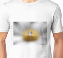 A drop full of daisies Unisex T-Shirt