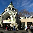 Budapest.Zoo_Main.Entrance.with.stone.elephants:2010.Nov by ambrusz
