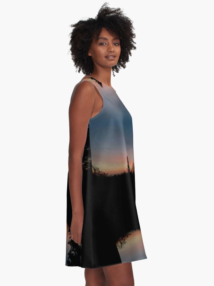 Alternative Ansicht von Sonnenhorizont Spiegelung Heller A-Linien Kleid