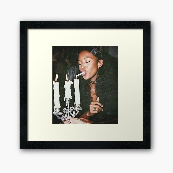 Naomi Campbell : Light Framed Art Print