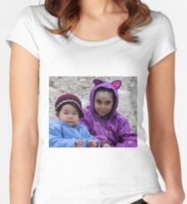 Inuit Kids Women's Fitted Scoop T-Shirt