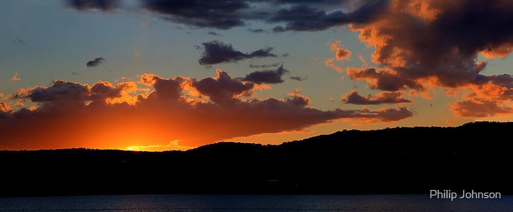 Last Light - Palm Beach, Sydney Australia -The HDR Experience by Philip Johnson