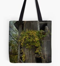 Old Barn Owl  Tote Bag