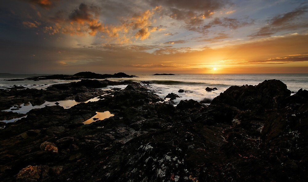 A Fine Sunrise on Sawtell by Robert Mullner