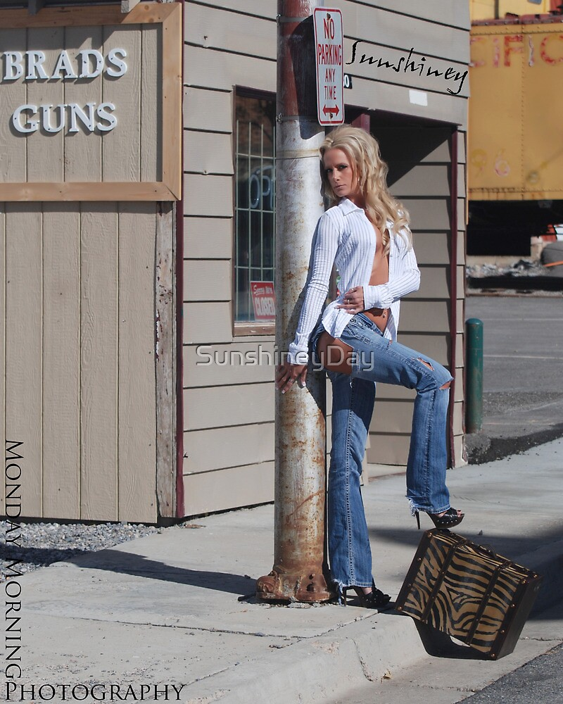 Girls with Guns by SunshineyDay